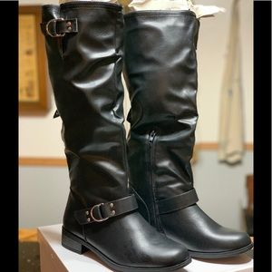 XOXO BLACK FAUX LEATHER BOOTS
